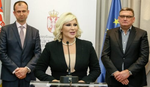 Mihajlović: Upadom u RTS opozicija pokazala za kakvu Srbiju se zalaže 12