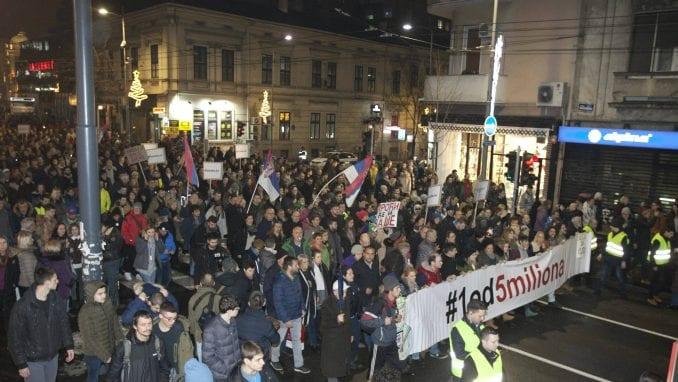 Na trećem protestu protiv nasilja više od 35.000 ljudi (FOTO, VIDEO) 1