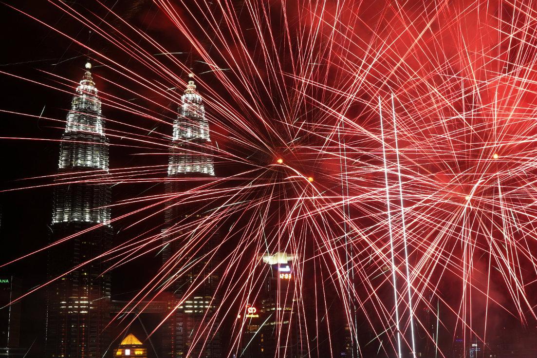 Vatrometi obeležili početak Nove godine u svetu (FOTO) 14