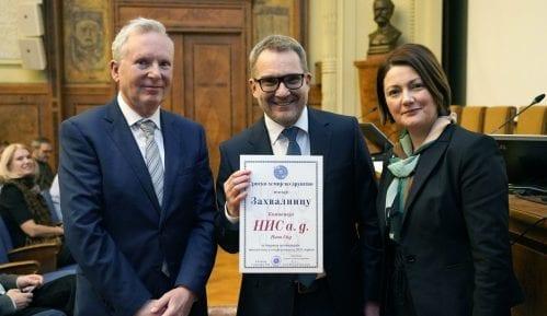 Srpsko hemijsko društvo uručilo kompaniji NIS priznanje za saradnju 10