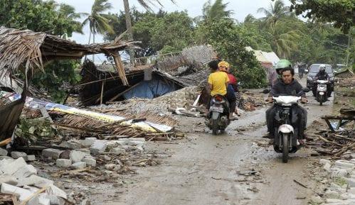 Raste broj žrtava cunamija u Indoneziji 12