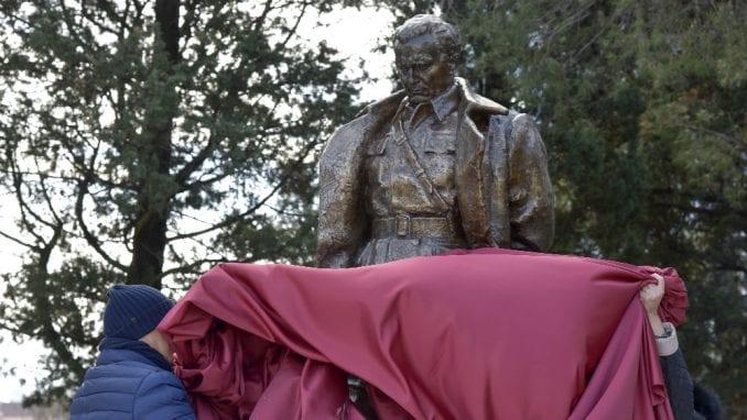 Podgorica na Dan oslobođenja otkrila spomenik i odala počast Titu 1