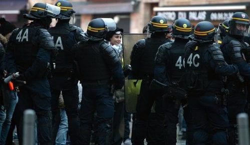 Muškarac pokušao da zapali vrata džamije u Francuskoj i povredio dvoje 9