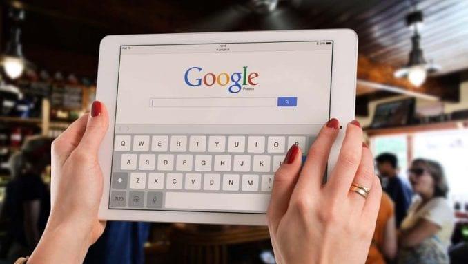 Makron: Gugl će morati da poštuje zakon Francuske 1