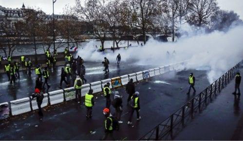 """Protest """"žutih prsluka"""" i u Holandiji, zatvoren parlament 2"""