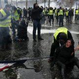 I danas neredi u Parizu - uvodi se vanredno stanje? 9