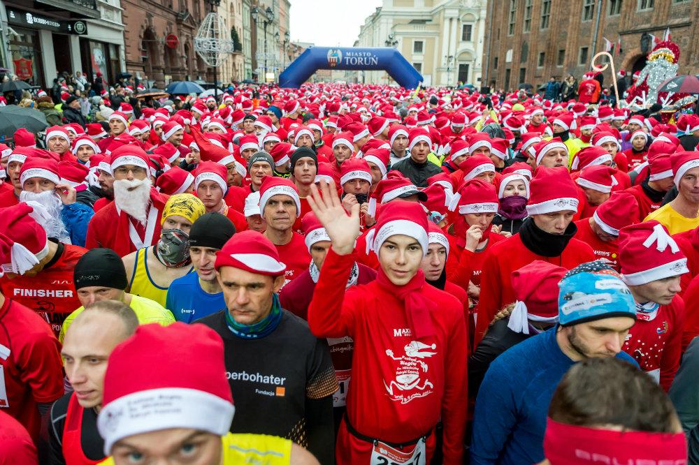 Trke Deda Mrazova u više zemalja sveta (FOTO) 8