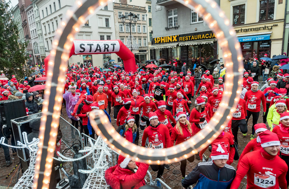 Trke Deda Mrazova u više zemalja sveta (FOTO) 9