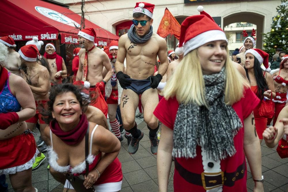 Trke Deda Mrazova u više zemalja sveta (FOTO) 3