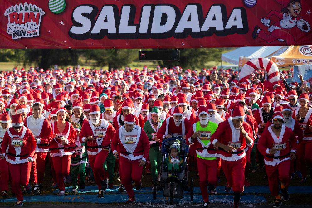 Trke Deda Mrazova u više zemalja sveta (FOTO) 7