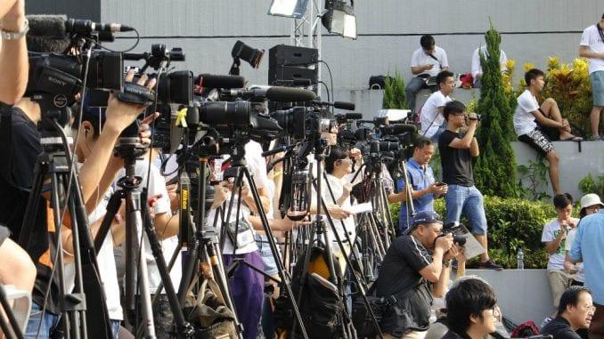 Unesko zabrinut zbog prekomerne sile nad novinarima 1
