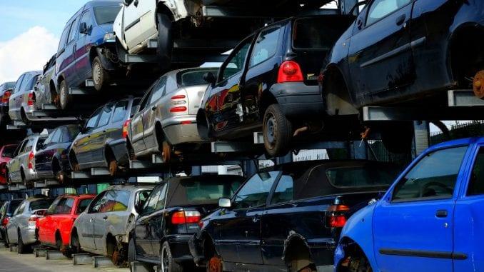 Kako je Grčka postala groblje polovnih vozila-zagađivača 4