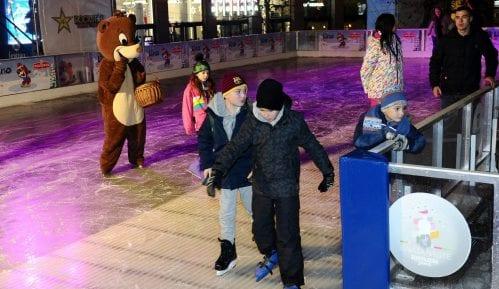 "Otvoreno klizaliste ""Ledeni park"" na Trgu Nikole Pašića 12"
