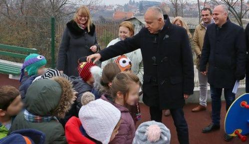Uskoro nova dečija igrališta na pet opština u gradu 4