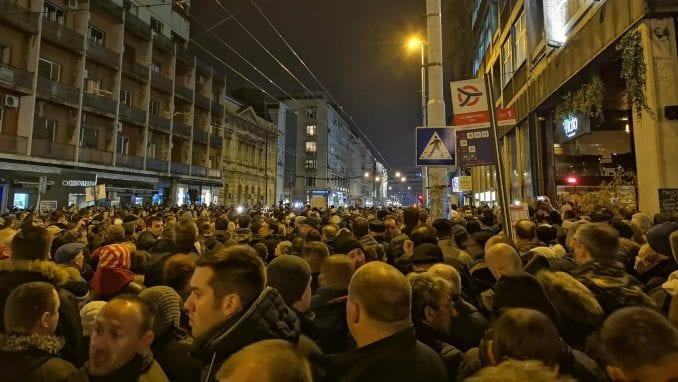 """TV Šabac uživo prenosila protestni miting """"Stop krvavim košuljama"""" 1"""