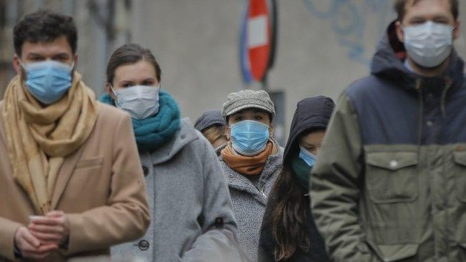 Rumuni protestuju protiv mera za suzbijanje korona virusa 2