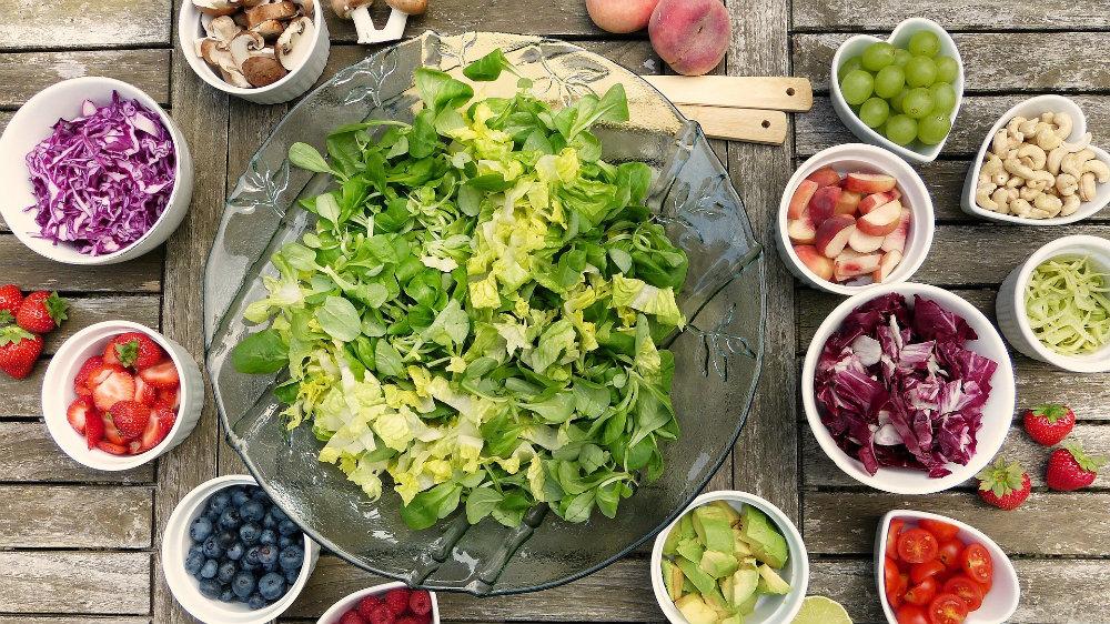 Kako izaći na kraj sa preterivanjem u jelu i piću tokom praznika? 4