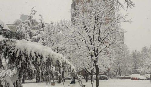 U Lučanima proglašena vanredna situacija zbog snega 12