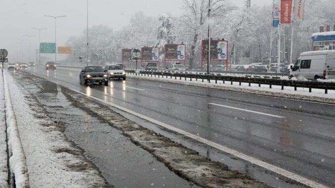 Putevi Srbije apeluju na oprez pri vožnji zbog sutrašnjih snežnih padavina 5