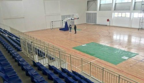 Udovičić obišao novu sportsku halu u Leskovcu 15