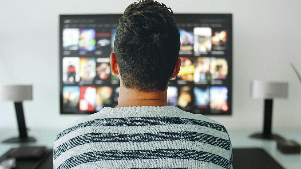 TV i internet glavni izvori informisanja u Srbiji, dnevne novine na začelju 1