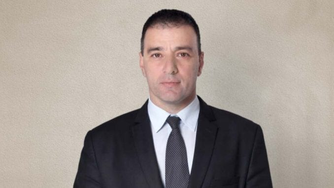"Vučićev problem s ""malim Vučićima"" 1"