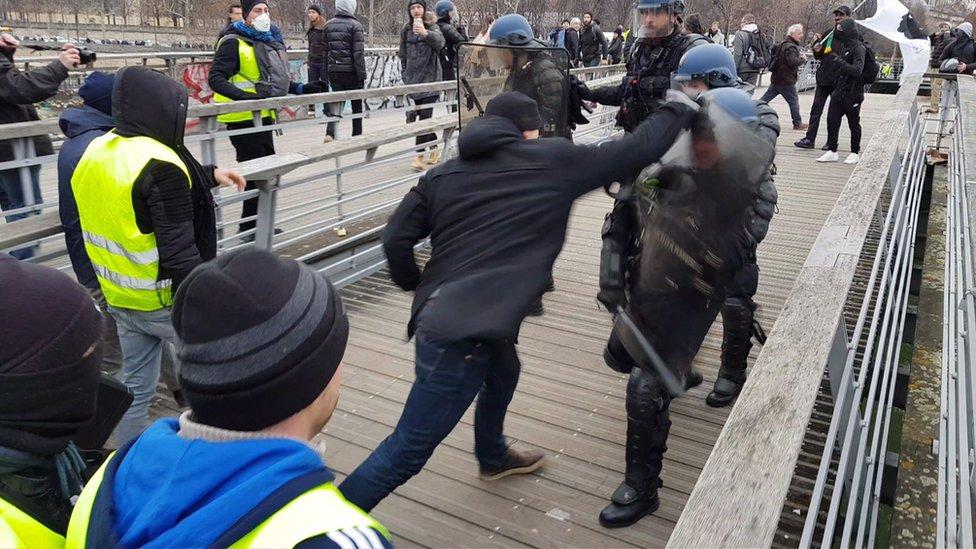 Tuča na ulicama Pariza, januar 2019.