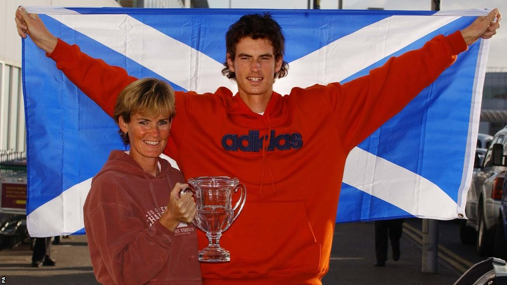 Andy Murray with mum Judy after winning the US Open junior title