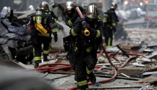 U fotografijama: Eksplozija u centru Pariza, tri žrtve 7