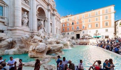 Sukob između Gradskog veća i crkve u Rimu oko novčića iz fontane Di Trevi 2