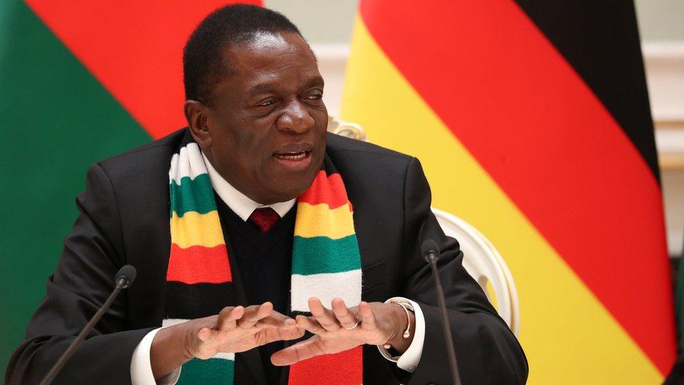 Predsednik Zimbabvea Emerson Mnangava