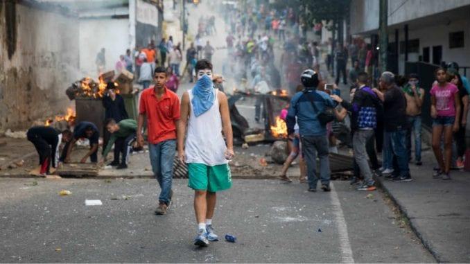 SAD pozvale vojsku da se okrene protiv Madura 3