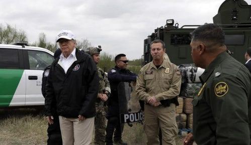 Tramp traži alternativna rešenja za izgradnju zida 5