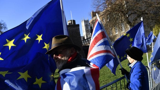 Devet dana pred Bregzit Britanski parlament potvrdio sporazum o razlazu 3