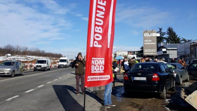 Aktivisti Lokalnog fronta iz Kraljeva stigli u Beograd na protest (VIDEO) 1