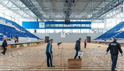 """Zrenjanin: Postavlja se novi parket u """"Kristalnoj dvorani"""" 1"""