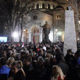 Ispred Hrama veliki broj građana na skupu podrške Putinu (FOTO) 14