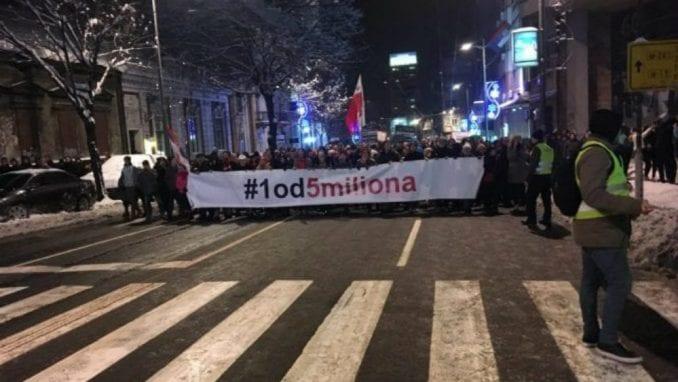 Njujork tajms: Sve masovniji protesti postaju ključni momenat za Vučićevu vlast 1