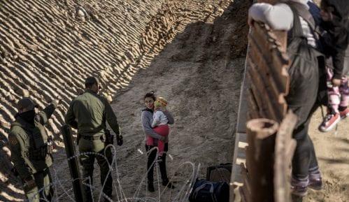 SAD bacale suzavac na migrante kako bi ih sprečile da pređu granicu 2