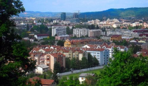 Brnabić i visoka delegacija Srbije na svečanom defileu povodom Dana RS u Banjaluci 7