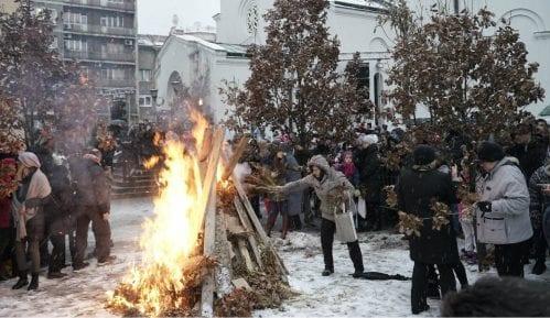 Tradicionalno paljenje badnjaka ispred Hrama Svetog Save 9