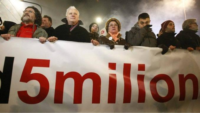 Proteste podržao deo nastavnika TMF iz Beograda 1