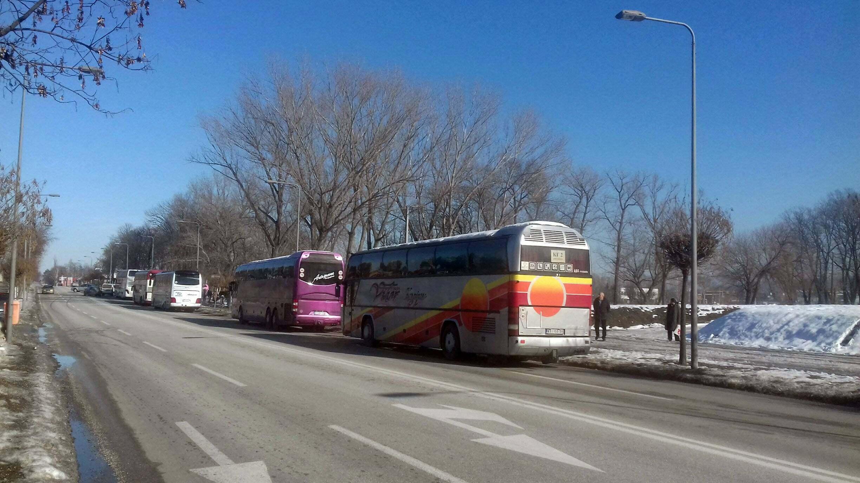 Na doček Putina pristižu autobusi, najviše iz Niša i Kruševca (FOTO) 2