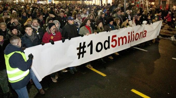 """Protest """"1 od 5 miliona"""" u Beogradu: Blokada RTS-a i Dnevnik slobodne Srbije 1"""