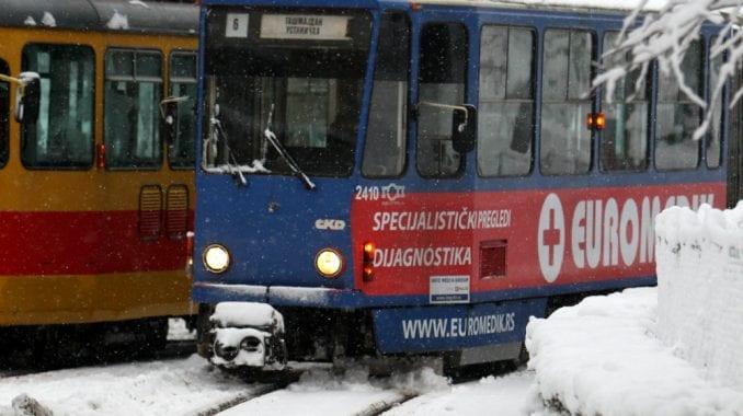 Beograd: Veliki problemi u saobraćaju zbog snega 3
