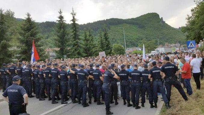 Malinari iz zapadne Srbije se prudružuju protestima u Beogradu 1