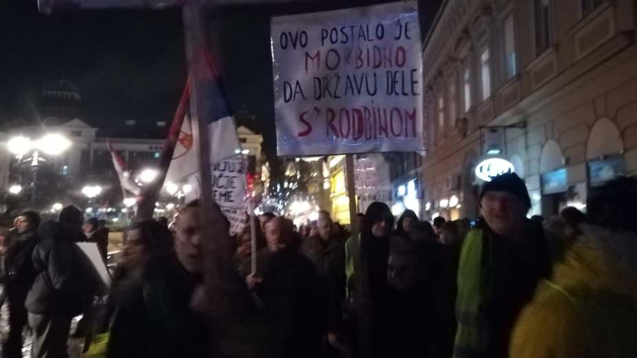 Protesti u više gradova Srbije (VIDEO)(FOTO) 6