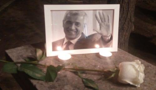 Novosađani palili sveće za Olivera Ivanovića 1