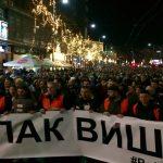Protest i šetnja za Ivanovića: Sveće na Slaviji i ispred Hrama (VIDEO, FOTO) 6