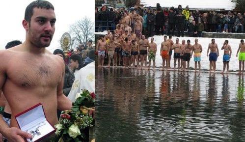 Jovan Todorović pobednik plivanja za Bogojavljenski krst u Užicu 4